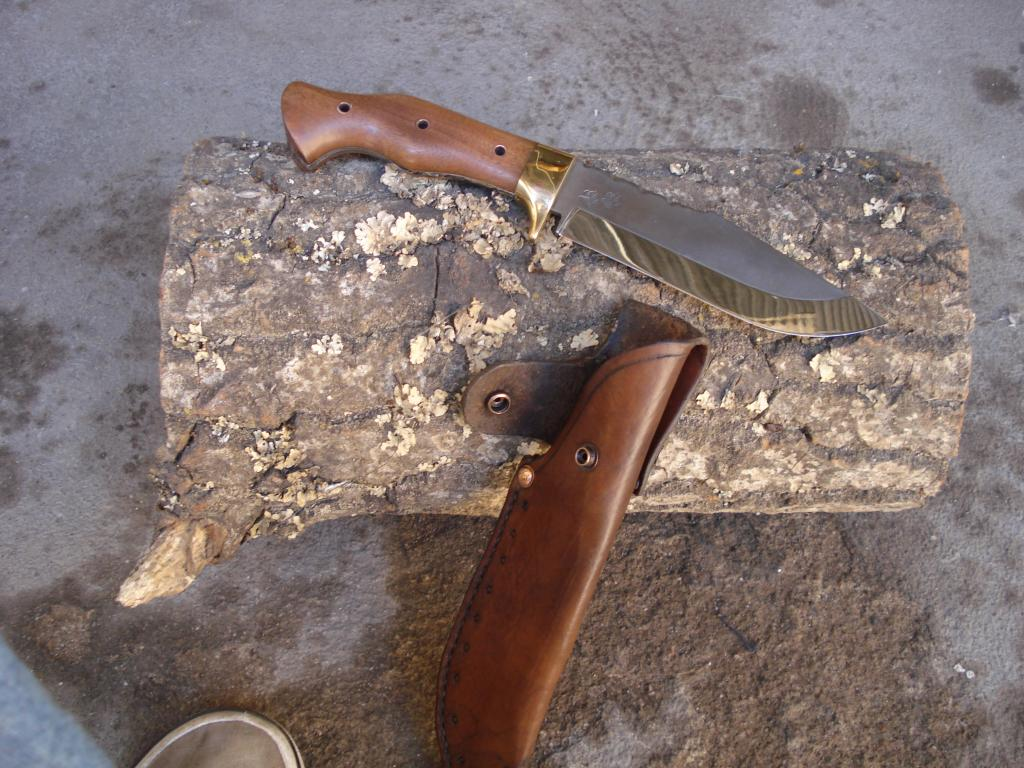 Otro cuchillo terminado, alguien me podra decir como se llama este modelo???? DSC06839_zps04bf9b37