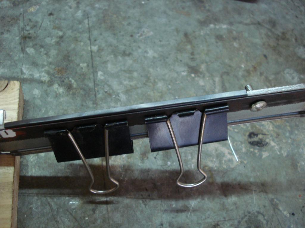 Emplumadora de flechas caseras y emplumado DSC06961_zps46b697d6