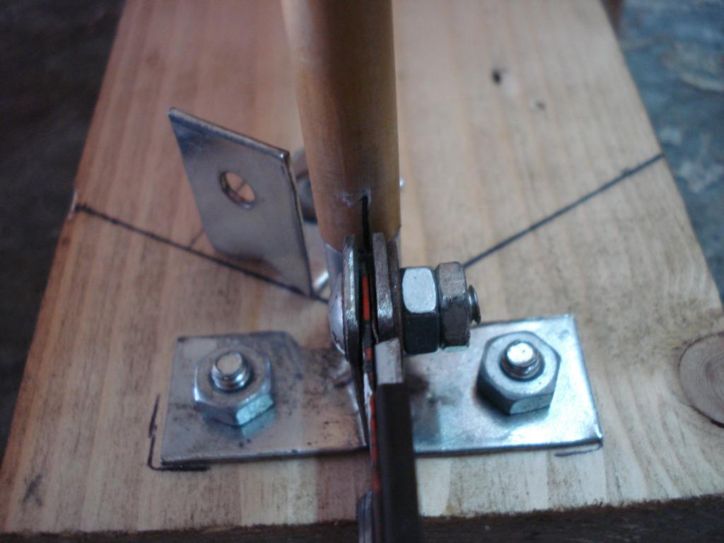 Emplumadora de flechas caseras y emplumado DSC06964_zpscae27f6a