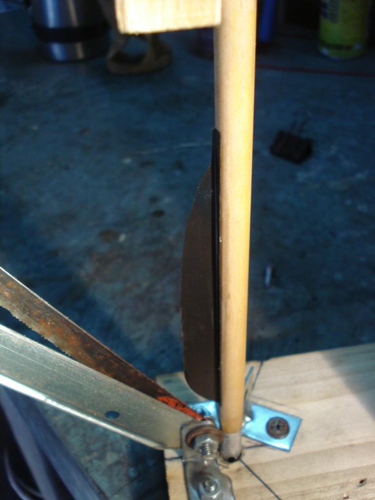 Emplumadora de flechas caseras y emplumado DSC06967_zps2b1dd5c6