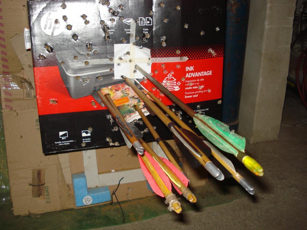 Emplumadora de flechas caseras y emplumado DSC06977_zps7174691a