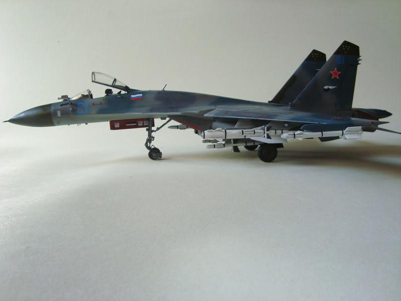 Academy 1/48 SU-35 Super Flanker Academy1_48SU-35SuperFlanker09r