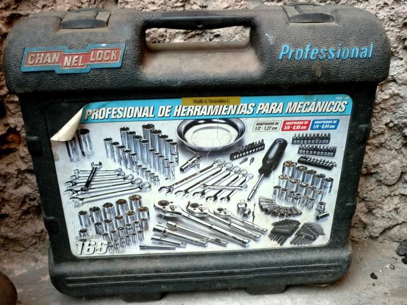 La Caja de Herramientas en Nuestros Vehículos P1020243