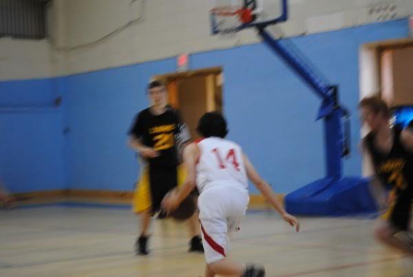 Basketball tournament pictures L_68ecd150d4364b5ea48f8020102355ab