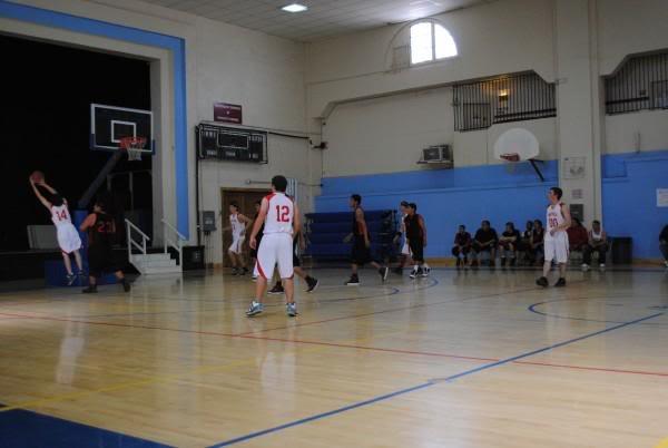 Basketball tournament pictures L_d918b53568494574ba369e80bc3a22af