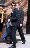 Rob @ the Letterman Late Show... 18 Novembre 2009... Th_robert-pattinson-11189-5
