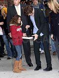 Rob @ the Letterman Late Show... 18 Novembre 2009... Th_spl140246_018wtmk