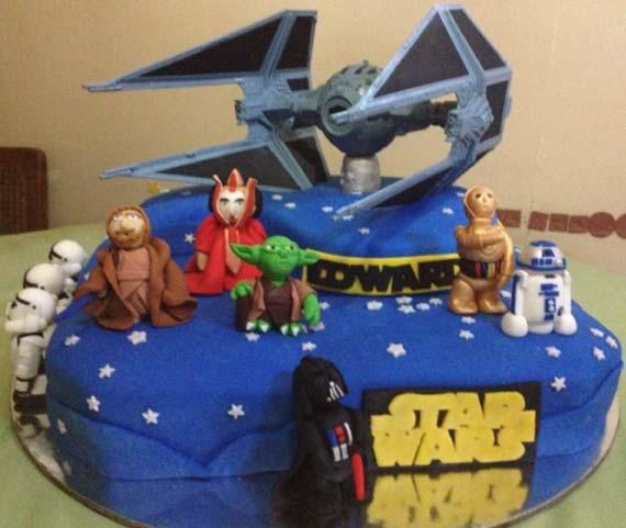 Happy birthday Jerewan Star-wars-birthday-cake