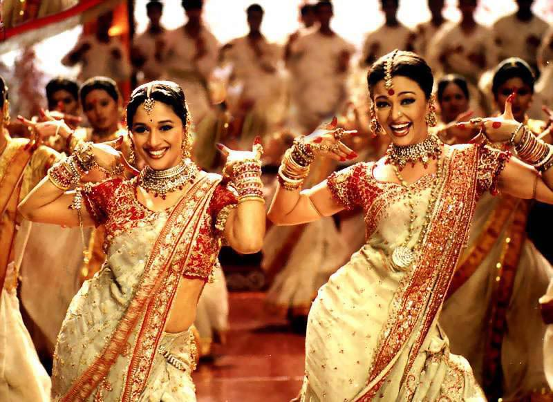 Les costumes traditionnels Bollywood3