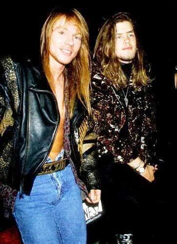 [FOTOS] W. Axl Rose (fundador, lider, alma, esencia y Señor de Guns N' Roses) (2) - Página 27 90fuera_-32
