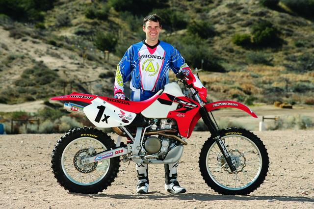 Cool XR650R Pix! - Page 2 Johnny_side_view_1280_zps21580eea