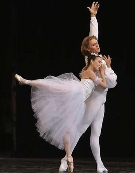 Balerina - Page 3 Balet-1