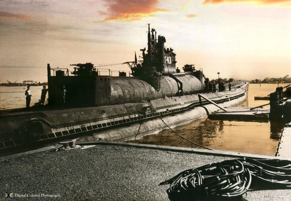 الغواصة اليابانية الحاملة للطائرات Sen Toku I-400-class  + فيديوهات HD  نادرة  و لاول مرة Fa59e401i400dawnox3