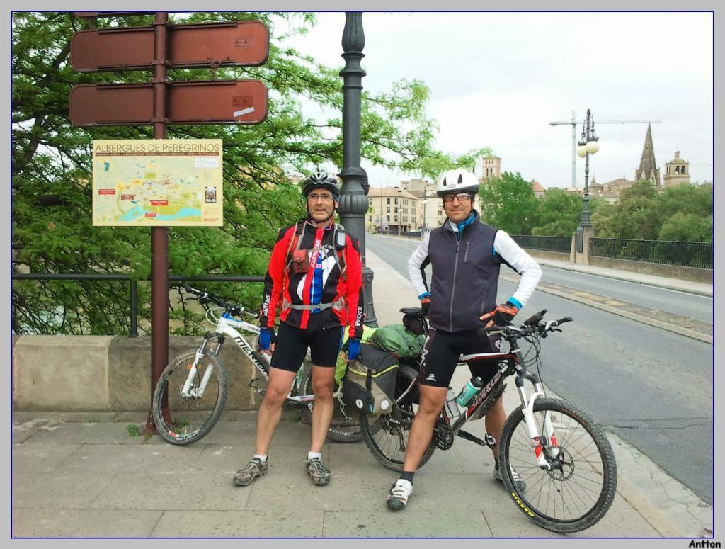 Pamplona - Santiago : nuestro camino 2013-05-08101756
