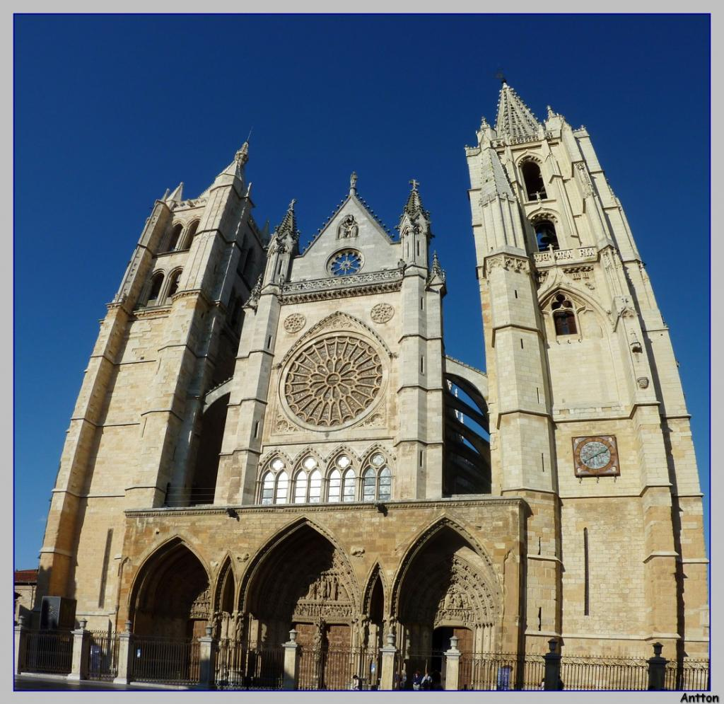 Pamplona - Santiago : nuestro camino P1100327Panorama