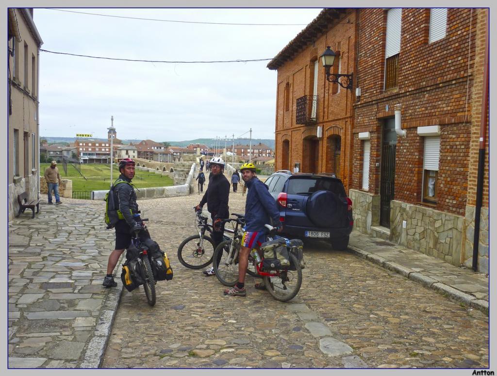 Pamplona - Santiago : nuestro camino P1100333