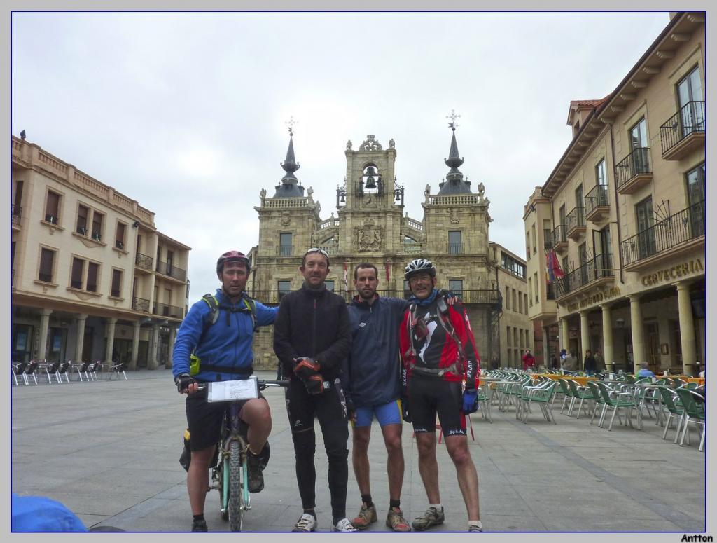 Pamplona - Santiago : nuestro camino P1100342