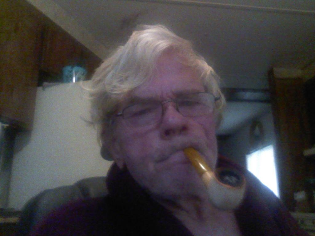 LET'S SEE PICS OF YOU SMOKING A PIPE - Page 3 12302013-002_zps6415c456