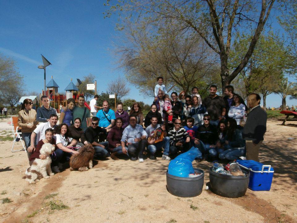 [Fotos] KDD BBQ Parque Hacienda Porzuna (Mairena del Aljarafe) 6-03-2013 - Página 2 Fotomontaje-abril-2013b_zps57e6169a