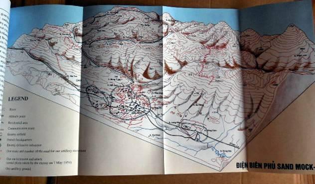 Vends livre sur Dien Bien Phu par le général Giap. En anglais. CarteDienBienPhu