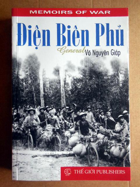 Vends livre sur Dien Bien Phu par le général Giap. En anglais. DienBienPhuparGiap