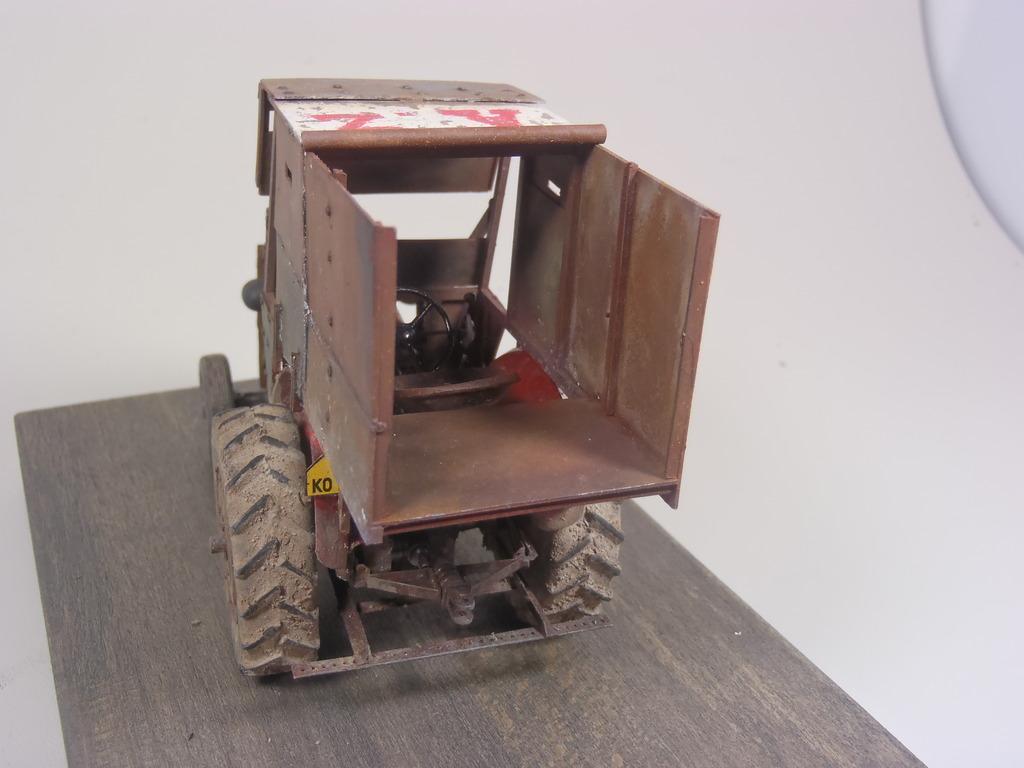 Conversion tracteur Zetor 25 en tracteur blindé - SKP Models 1/35 - Page 3 48_zpsejgoyxzt