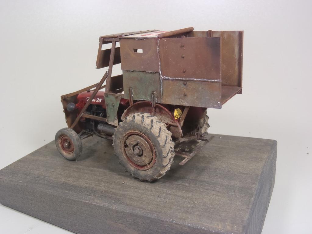 Conversion tracteur Zetor 25 en tracteur blindé - SKP Models 1/35 - Page 3 49_zpsnx5f0ndb