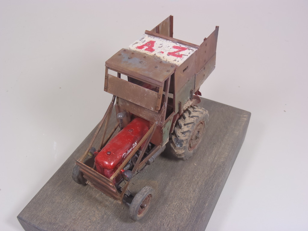 Conversion tracteur Zetor 25 en tracteur blindé - SKP Models 1/35 - Page 3 52_zpsqh93w52a