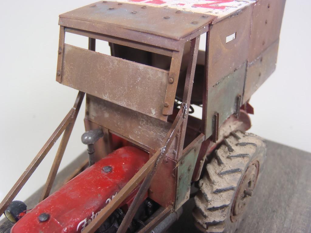 Conversion tracteur Zetor 25 en tracteur blindé - SKP Models 1/35 - Page 3 53_zpsqt5k92qb