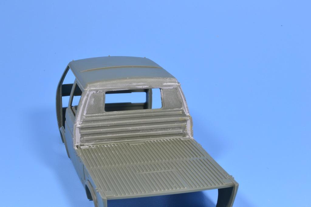 T3 transporter truck double cabine (1/35 TAKOM) DSC_0181_zpscn5bvf3i