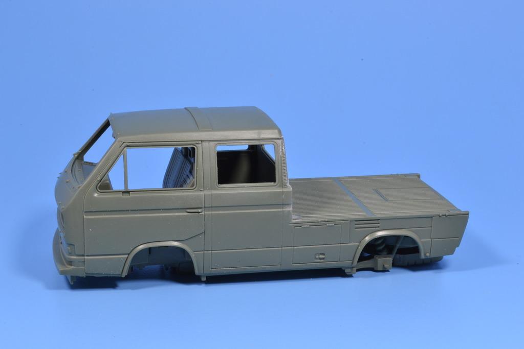 T3 transporter truck double cabine (1/35 TAKOM) DSC_0182_zpsgvrdegup