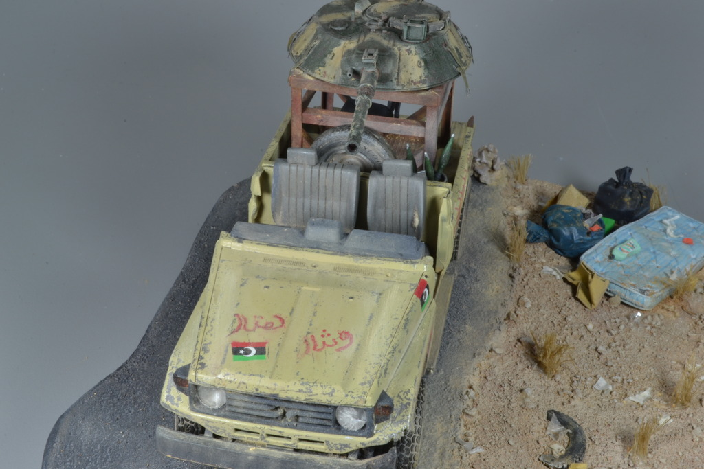 Pick-up (MENG)+tourelle BMP 1/35 (DEF model) - Page 3 DSC_0259_zpsk4wvfs7l