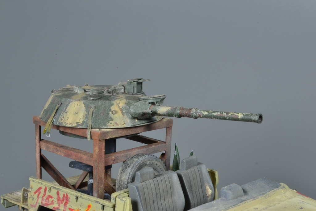 Pick-up (MENG)+tourelle BMP 1/35 (DEF model) - Page 3 DSC_0261_zpstqb0mnng