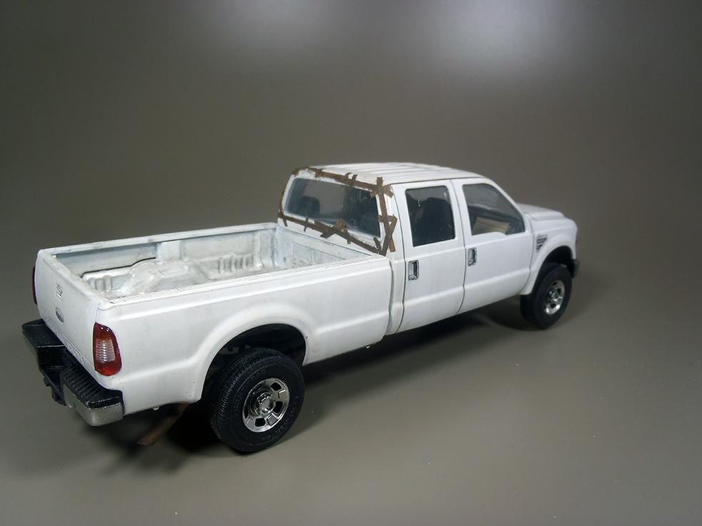 Pickup F 350 (Meng) au 1/35 - Page 2 P1040033a_zpszo617dmi