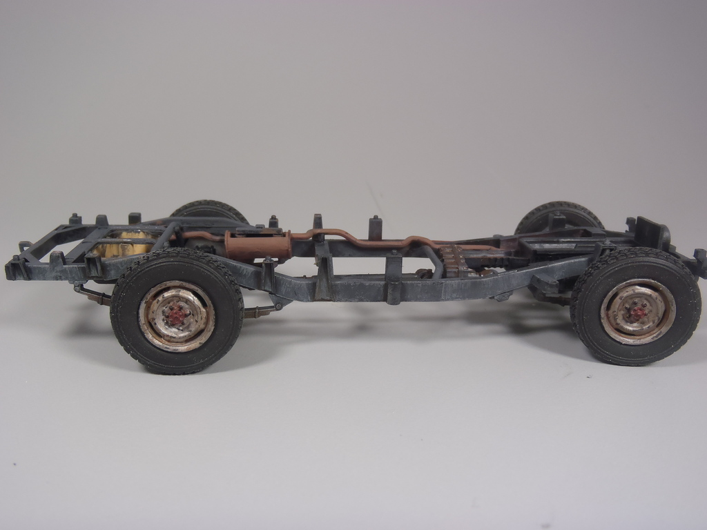 Pick-up (MENG)+tourelle BMP 1/35 (DEF model) P1080274_zpsamoblusy