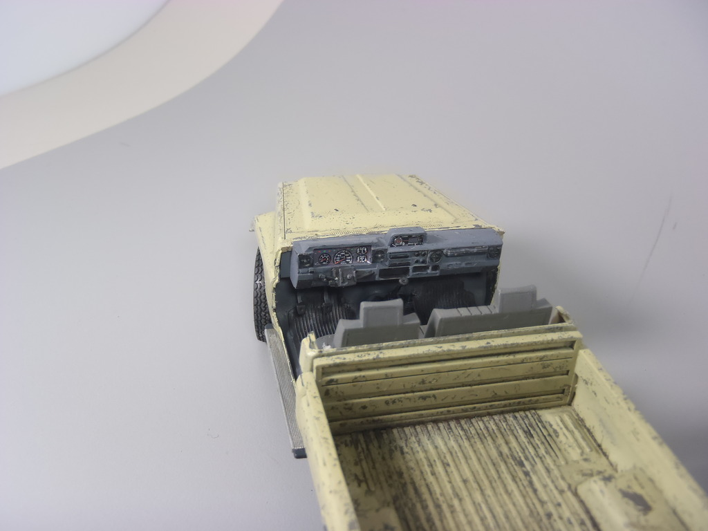 Pick-up (MENG)+tourelle BMP 1/35 (DEF model) P1150300_zps8aqjaqyr