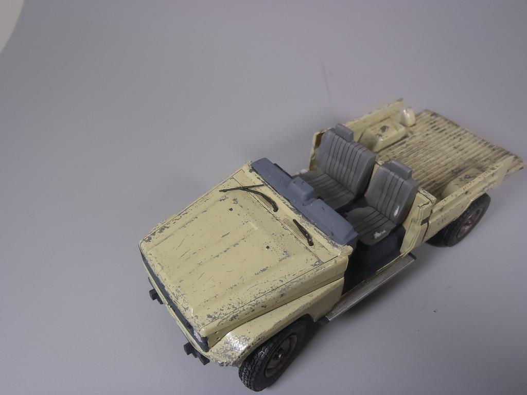 Pick-up (MENG)+tourelle BMP 1/35 (DEF model) P1160303_zpswgncpxc7