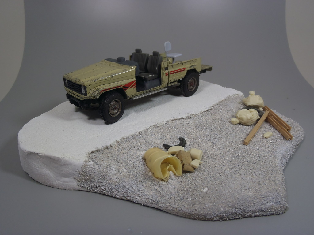 Pick-up (MENG)+tourelle BMP 1/35 (DEF model) P1260314_zpsqxin4y4h