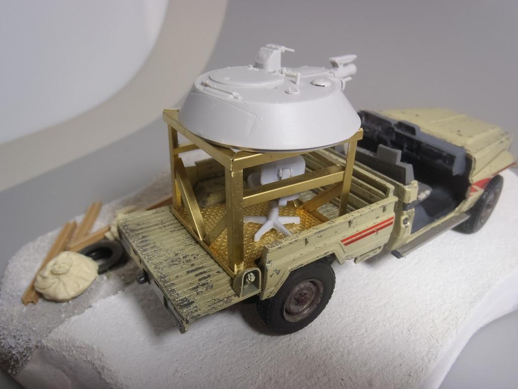 Pick-up (MENG)+tourelle BMP 1/35 (DEF model) - Page 2 P1280317_zps1dleow30