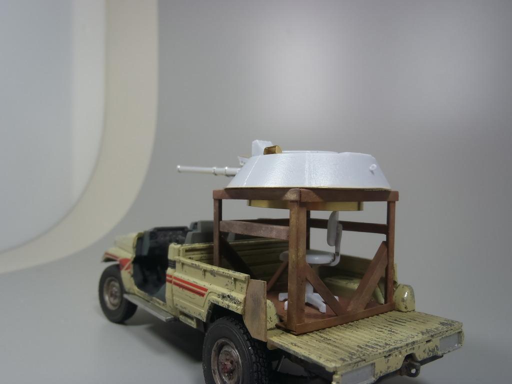 Pick-up (MENG)+tourelle BMP 1/35 (DEF model) - Page 2 P2070334_zpsvnbtiokm