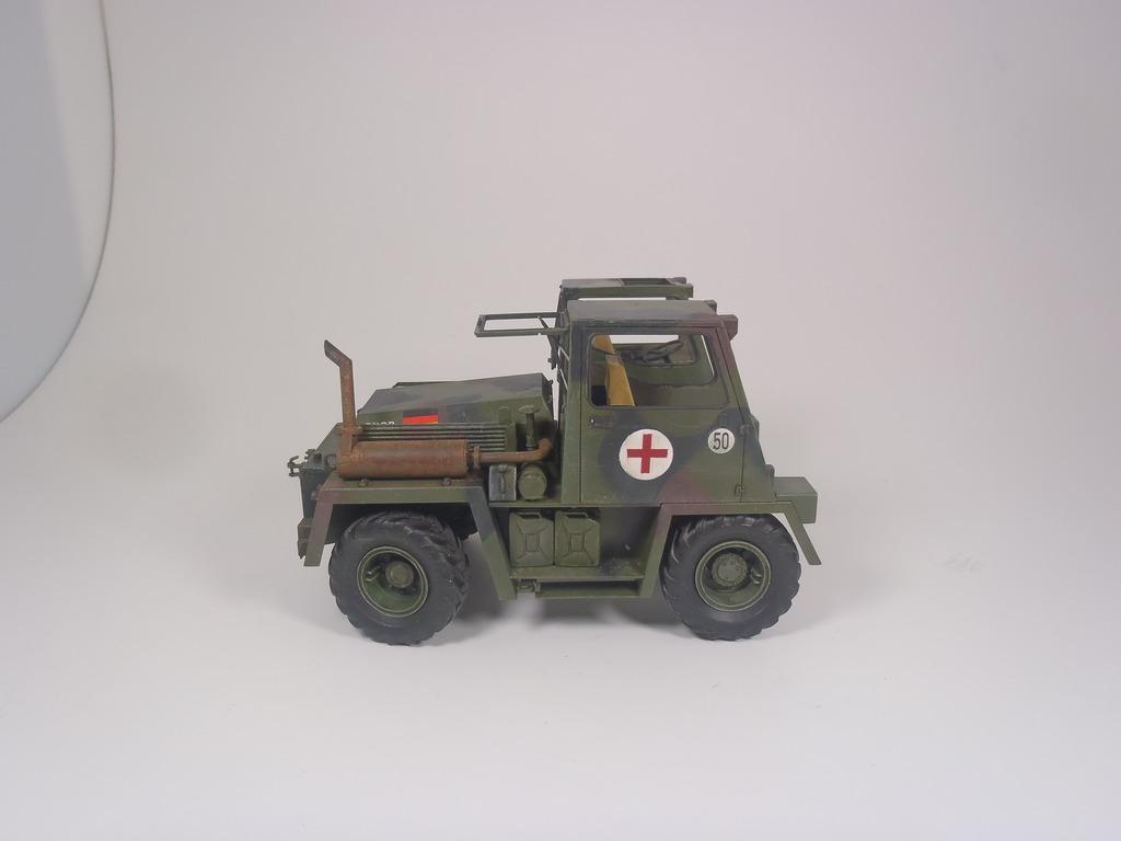 Feldumschlaggerät (FUG) 2.5t (chariot élévateur) 1/35 TAKOM P2120072_zpss3qfduot
