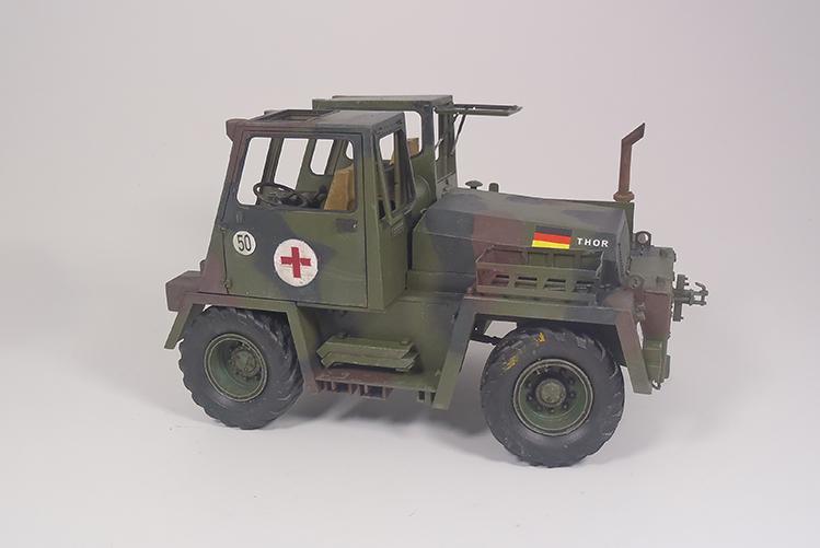 Feldumschlaggerät (FUG) 2.5t (chariot élévateur) 1/35 TAKOM P2120075_zpsnc7xtfyr