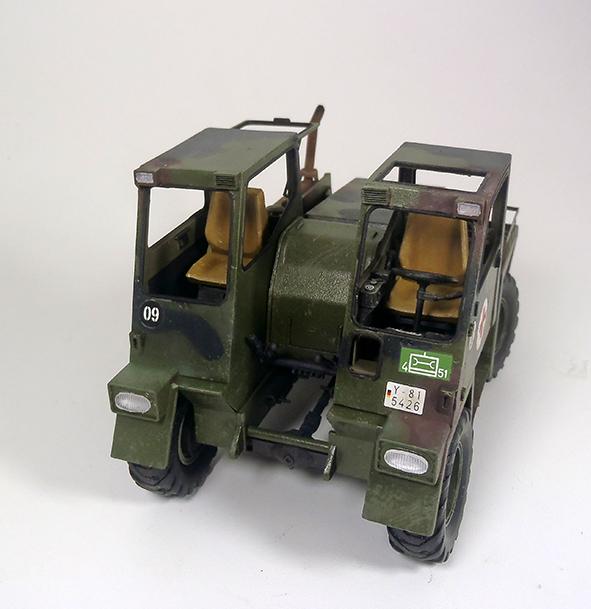 Feldumschlaggerät (FUG) 2.5t (chariot élévateur) 1/35 TAKOM P2120076_zpsubreg7bb