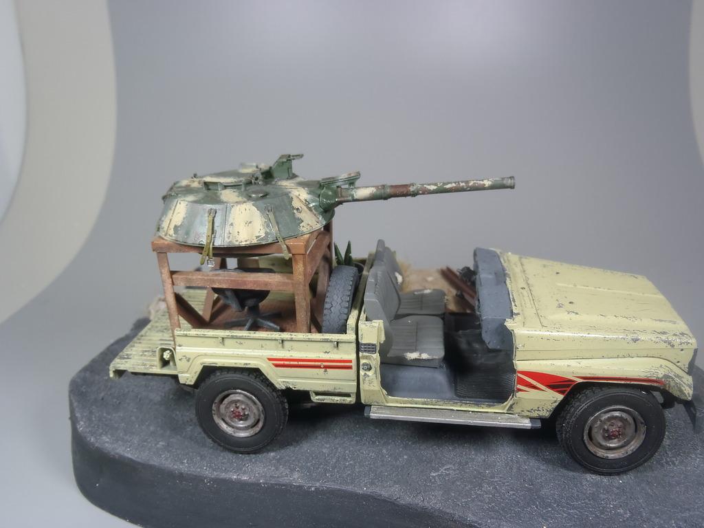 Pick-up (MENG)+tourelle BMP 1/35 (DEF model) - Page 2 P2250488_zpsqrfp7fur