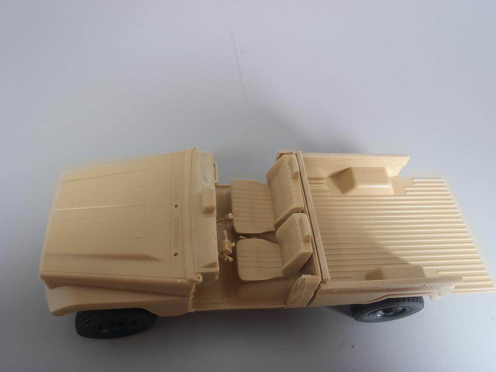 Pick-up (MENG)+tourelle BMP 1/35 (DEF model) PC230253_zpstfcnsm5m