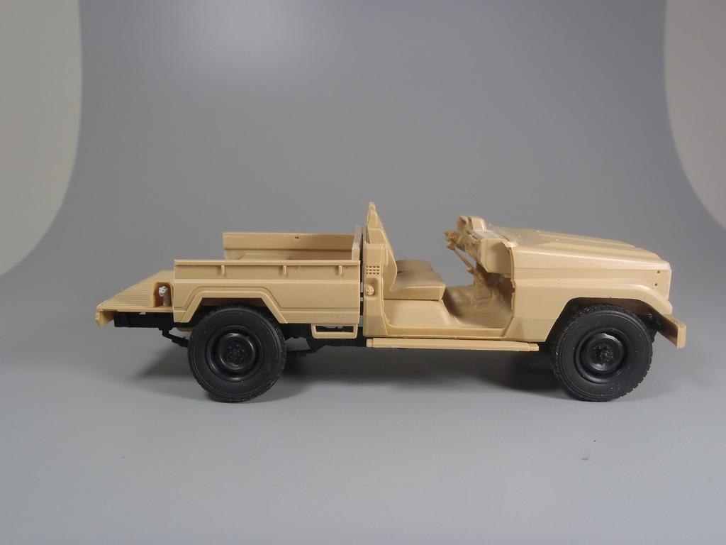 Pick-up (MENG)+tourelle BMP 1/35 (DEF model) PC230257_zpskk20txve