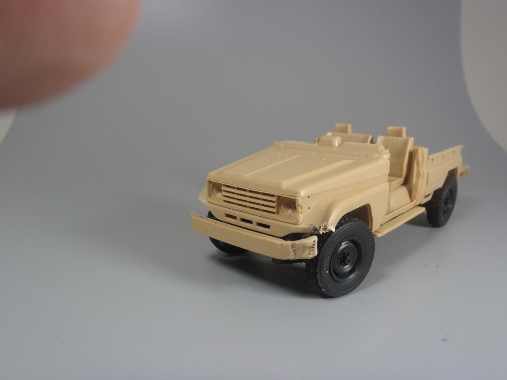 Pick-up (MENG)+tourelle BMP 1/35 (DEF model) PC230261_zpsr8jmshzh