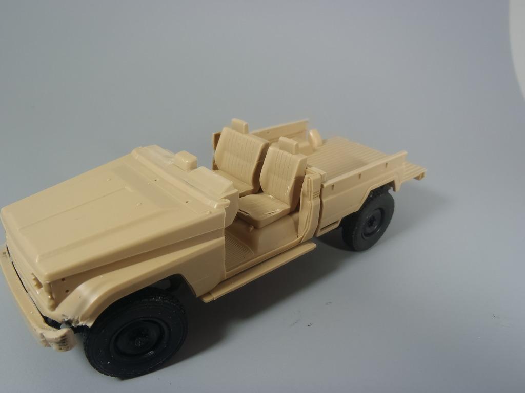 Pick-up (MENG)+tourelle BMP 1/35 (DEF model) PC230262_zps9avz83ff
