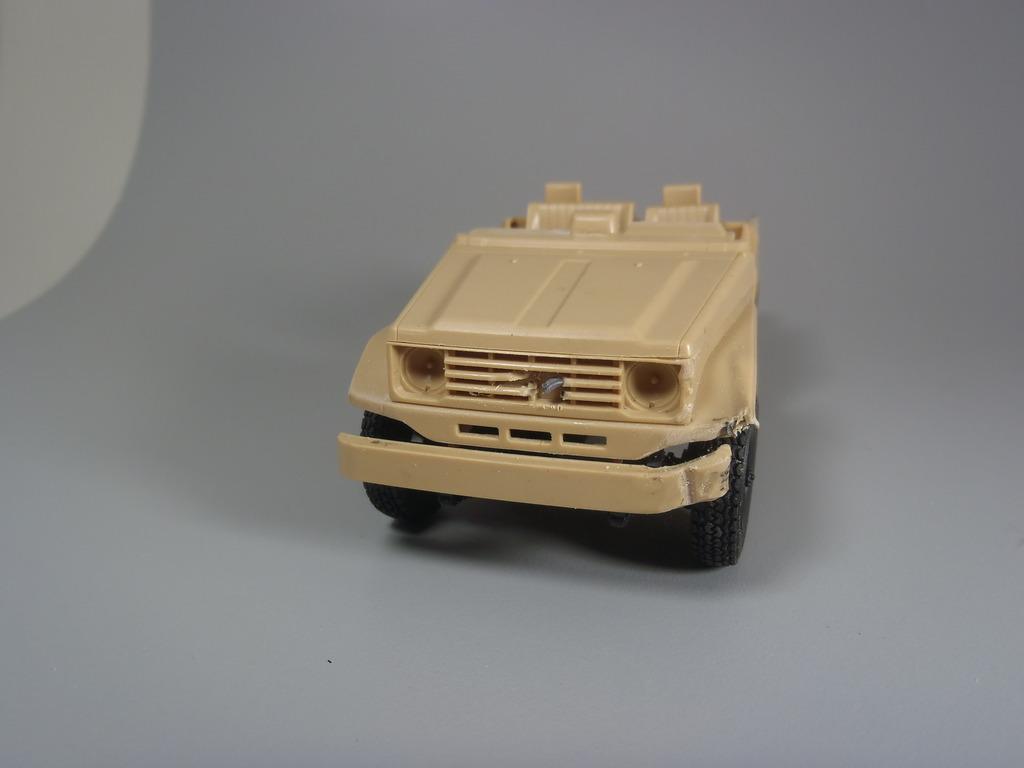 Pick-up (MENG)+tourelle BMP 1/35 (DEF model) PC250266_zpswb40g6ik