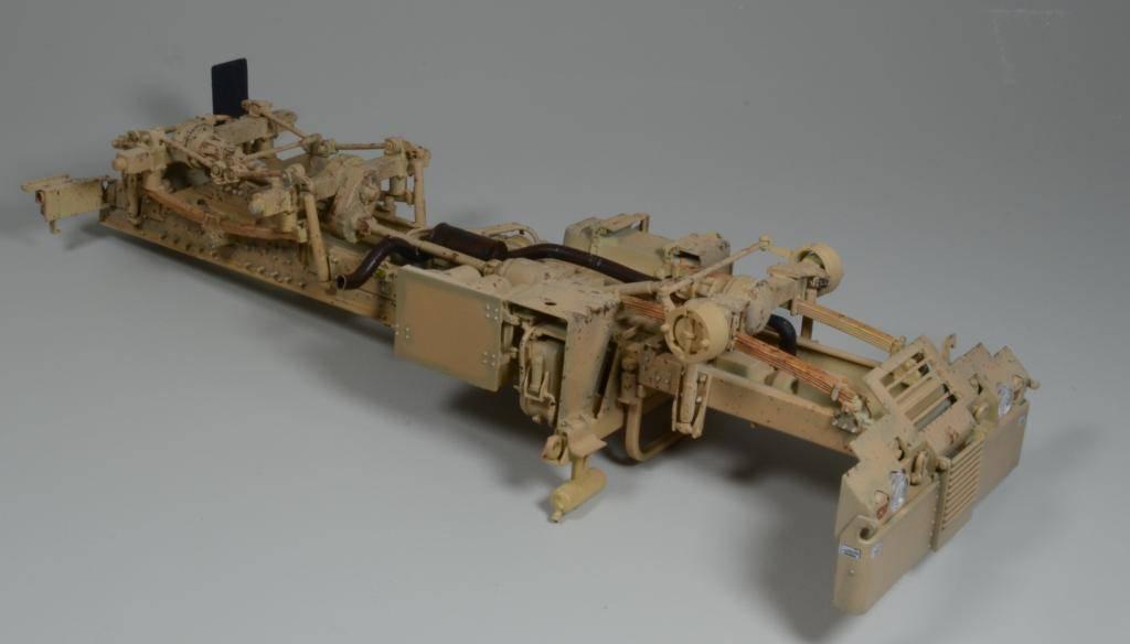 M1083 cabine blindée [Trumpeter, 1/35] - Page 3 DSC_0204_zpsfdaf2a22